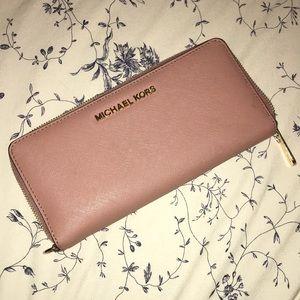 Dusty rose Michael kors wallet